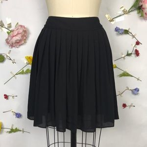 EUC Express black pleated mini skirt
